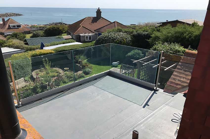 FRAMELESS glass balcony Dorset