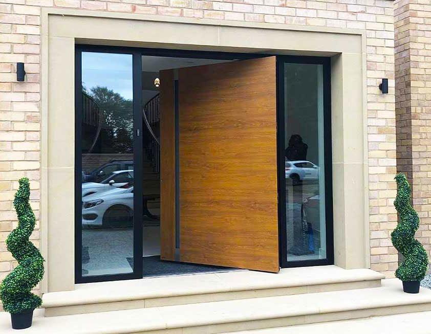 Wood-Effect-aluminium-Pivot-Door